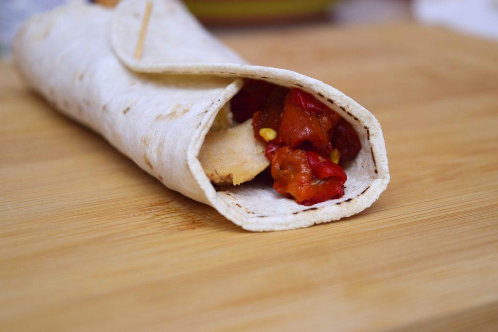 lipie fara gluten rulata cu ardei copti si carne